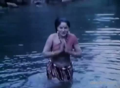 Sexy Hot River Scene Jungle Ki Hasina