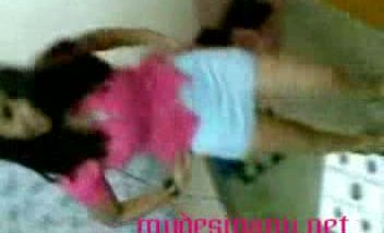 Delhi college girl in pink dress mms