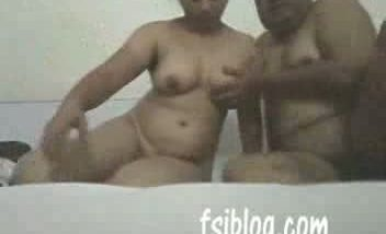 Indian mature chubby bhabi fucked by hubby's friend