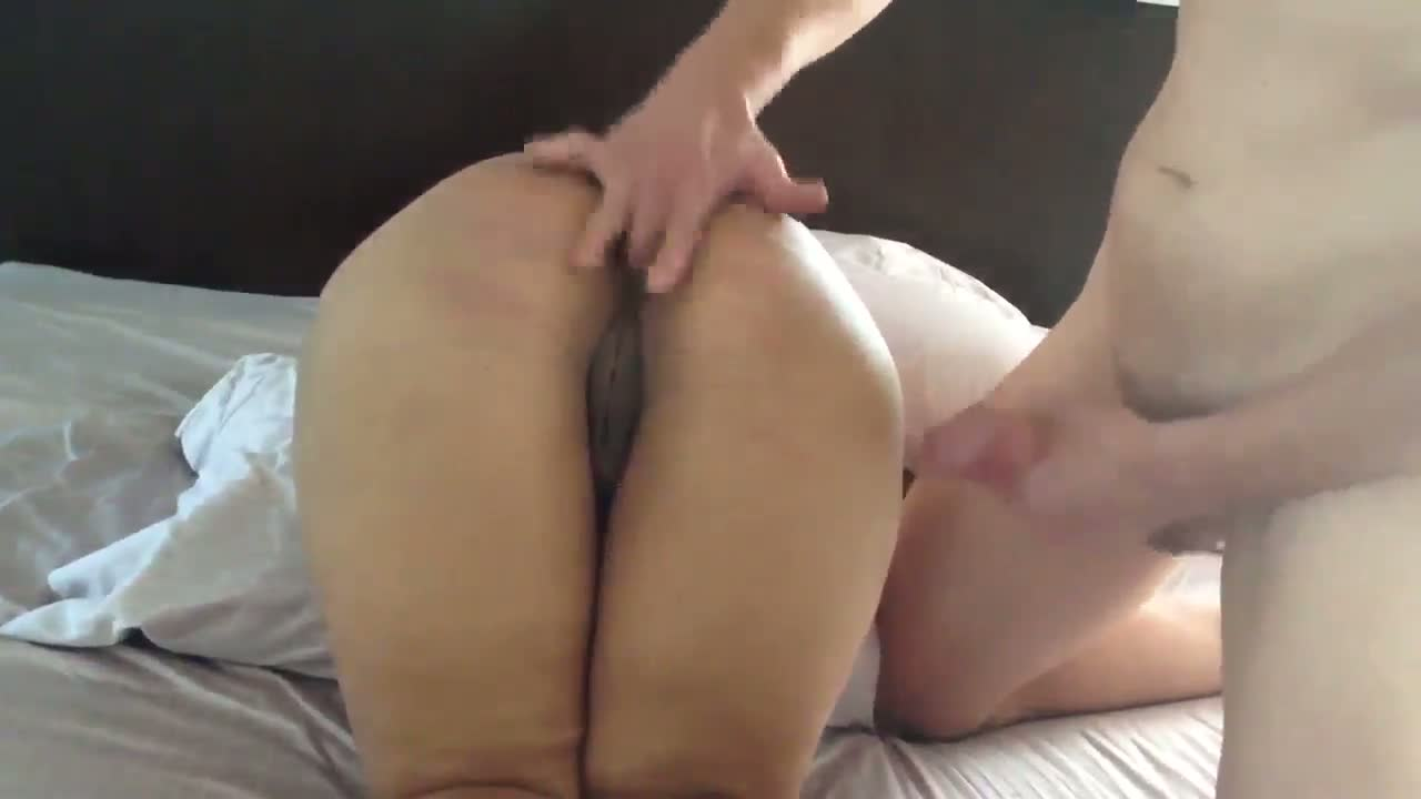 Big ass sexy bhabhi fucked by hubby's friend leaked mms
