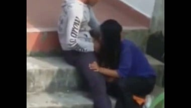 Horny College Girl Giving Hot Blowjob to Bf Mms
