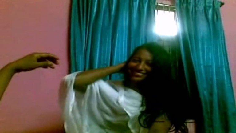Blowjob mms of desi college girl on cam