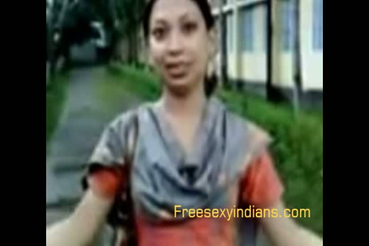 Outdoor romance of Bengali girl with lover