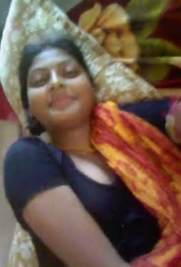 Bengali village bhabhi with lover