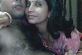Kanpur house wife giving hot blowjob to her secret lover leaked mms