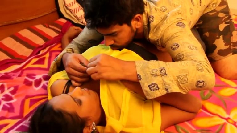 Desi young bhabhi first time doing naughty activity in masala film