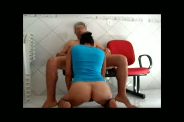 Indian big ass office girl given hot blowjob session