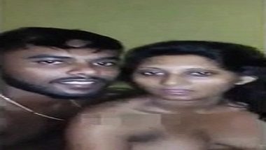 Mature Tamil bhabhi mms scandal with her neighbor lover