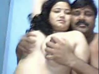 Mallu big boobs aunty home sex with hubby in webcam – part 1