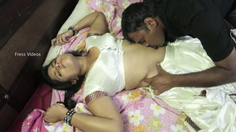 Desi porn videos of a lonely housewife and her neighbor.