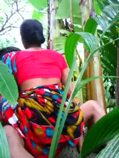 XXX outdoor sex videos mature aunty fucked by lover