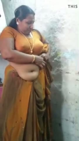 BBW indian aunty exposed big boobs and deep naval