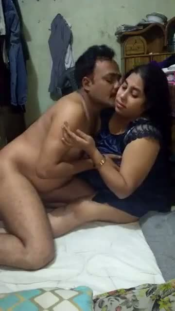 Real hardcore home sex video sexy bhabhi with lover