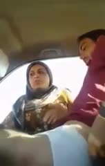 Pakistani bhabhi romancing with her car driver