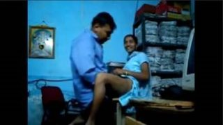 Indian Girl Fucked Inside Office
