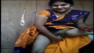 Horny Indian Aunty In Saree Masturbating With Cucumber
